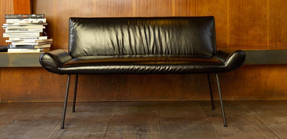 sofas ginevra von quinti designer roberto baciocchi. Black Bedroom Furniture Sets. Home Design Ideas