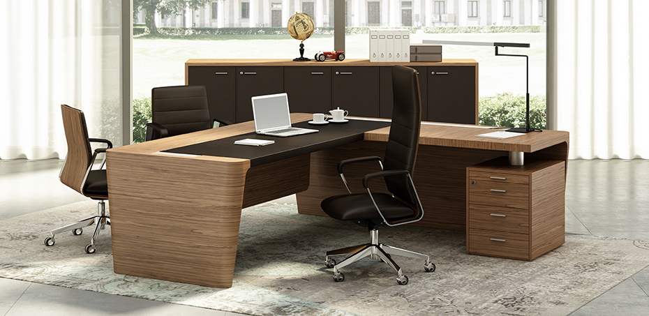 klassischer schreibtisch x10 von officity. Black Bedroom Furniture Sets. Home Design Ideas