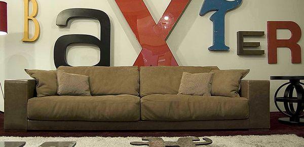 sofas und st hle f r wartezimmer mit italienischem design. Black Bedroom Furniture Sets. Home Design Ideas